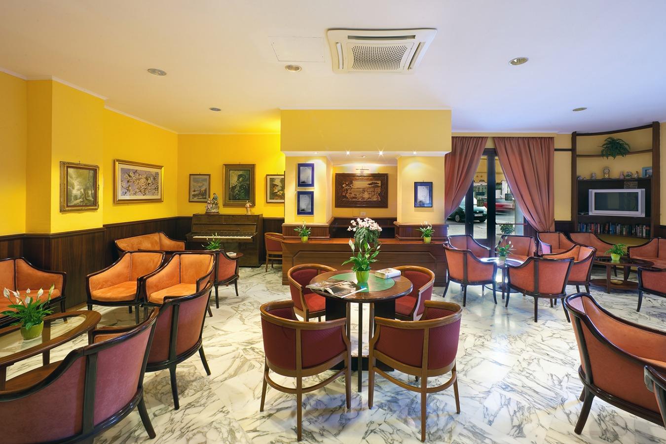 Hotel 4 stelle nel centro di sorrento for Hotel 4 stelle barcellona centro